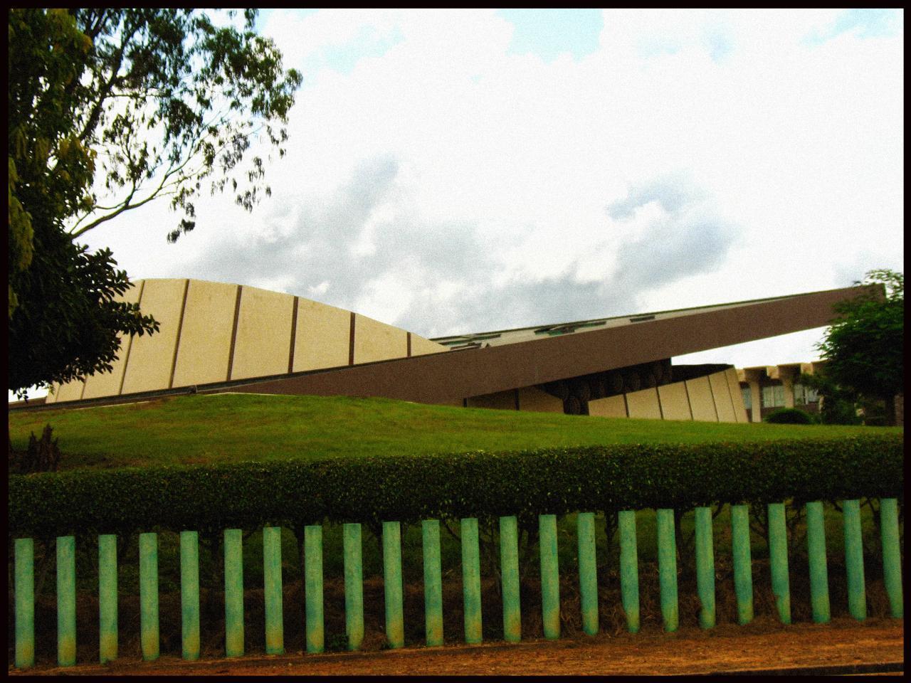 Bâtiment moderne de Yamoussoulro