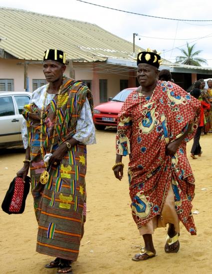 Les premiers chefs en vêtements traditionnels que nous ayons vu